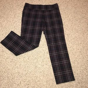 New York & Company Cropped pants